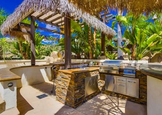 Ways To Create Your Outdoor Kitchen Space